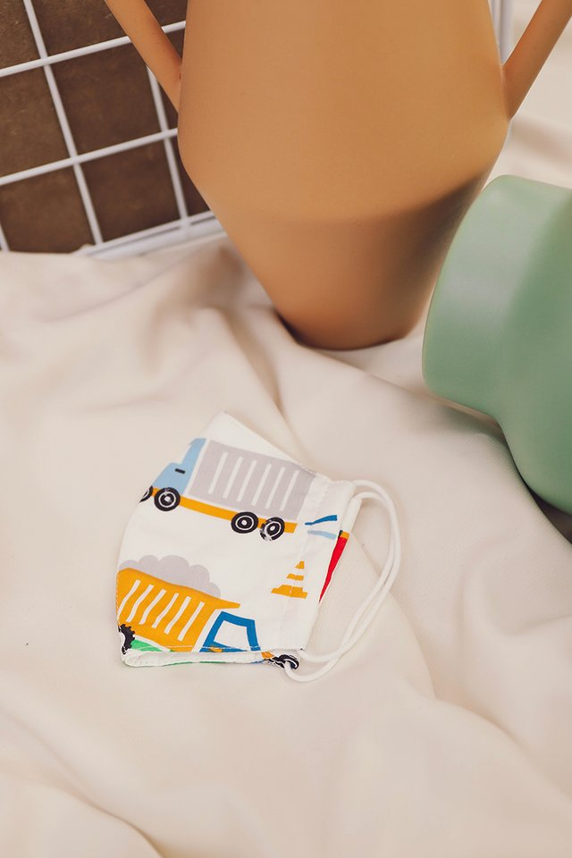 Bella Kids Face Mask In Cars And Trucks