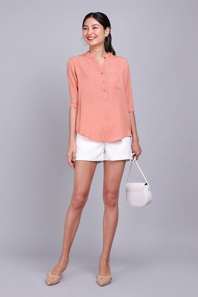 City Dweller Shirt In Apricot
