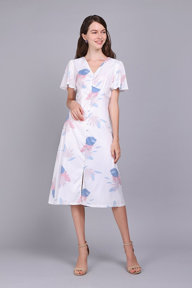 Daylight Reverie Dress In White Prints