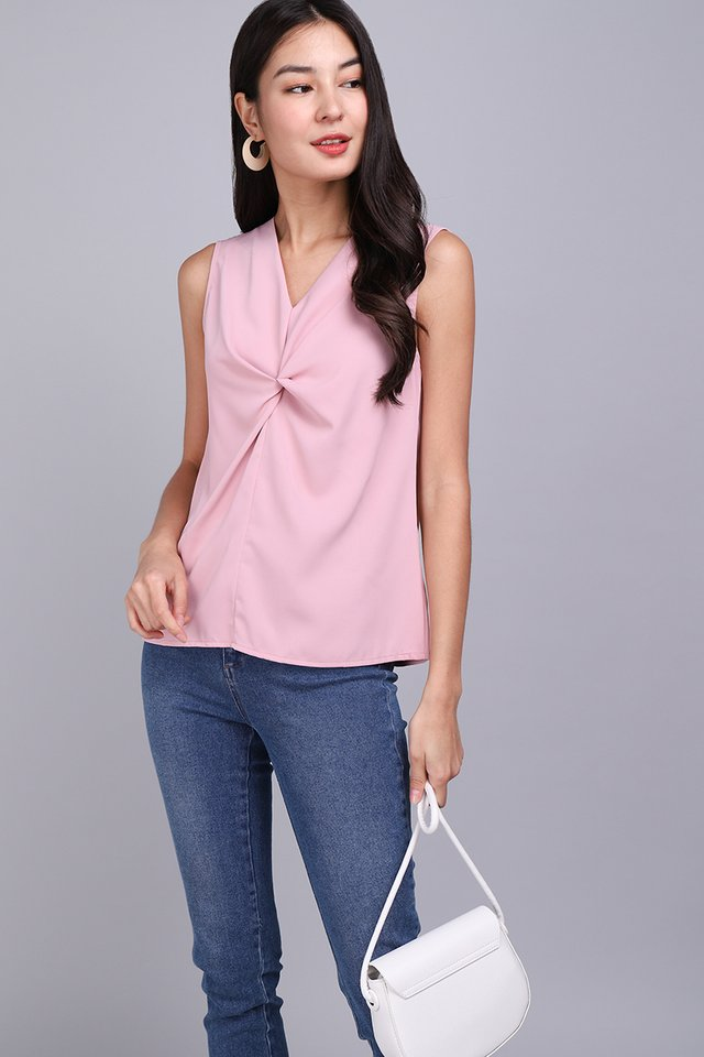 Breeze Into The Week Top In Dusty Pink