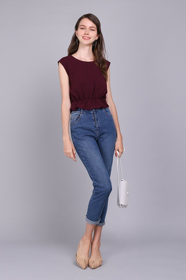 New Yorker Top In Wine Red