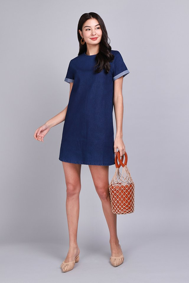 Street Style Dress In Dark Wash