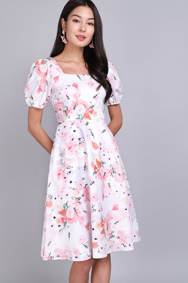 Gardenia Walk Dress In Pink Florals