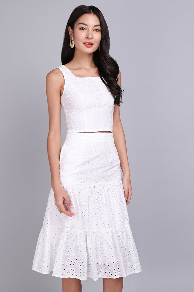 Breeze Into Spring Skirt In Classic White