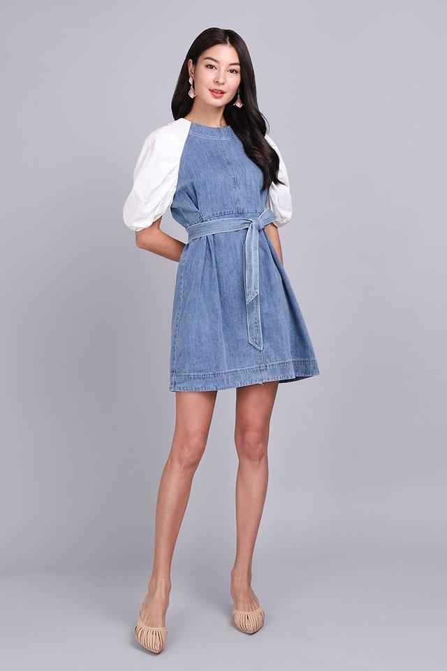 Stylish Vision Dress In Mid Wash