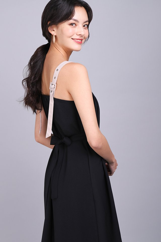 Perfectly Crafted Dress In Classic Black