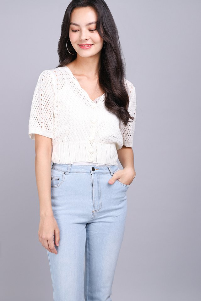 Ideal Weekend Top In Ivory