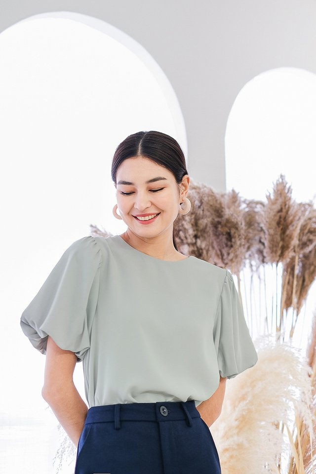 Maia Top In Muted Sage