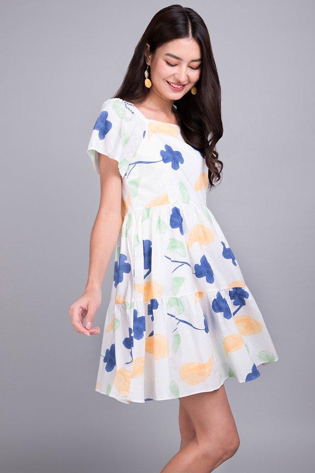Fun Filled Weekend Dress In White Prints