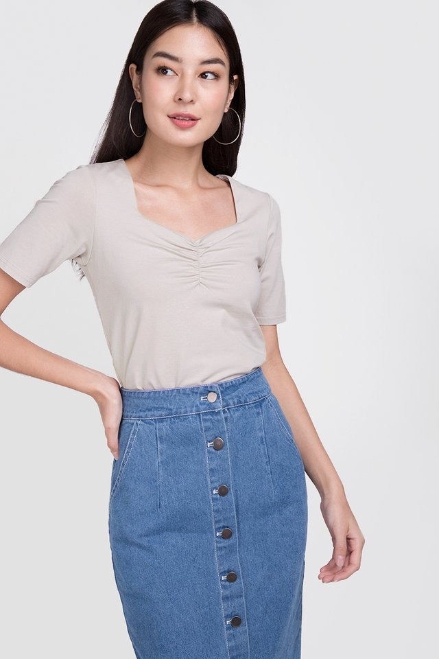 Belle Top In Taupe