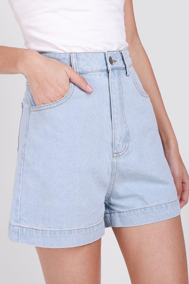 Kingston Shorts In Light Wash