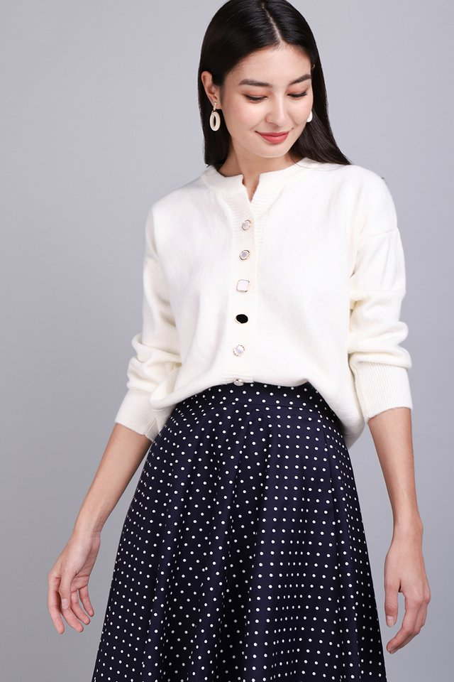 Chic And Cozy Cardigan In Ivory