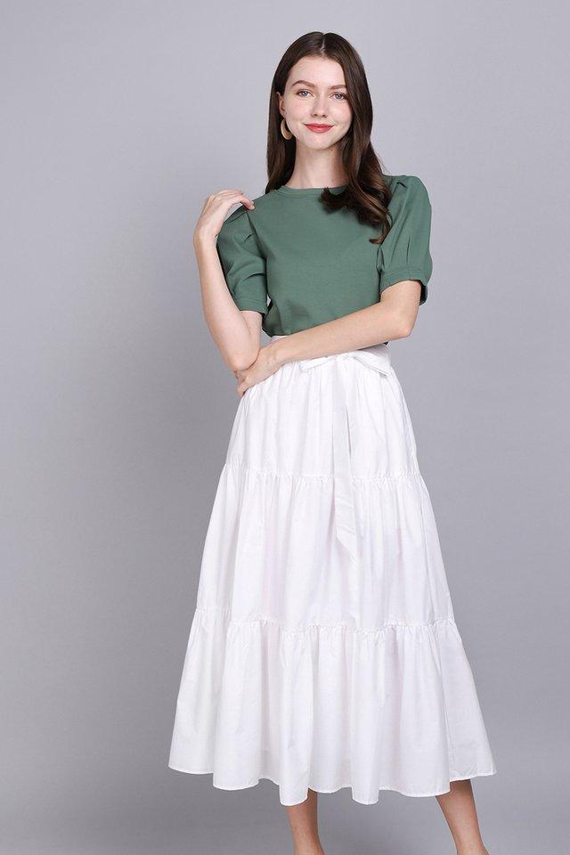 Happy To Swish Skirt In Classic White